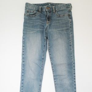 GAP Sexy Boyfriend Fit CROPPED Denim MEDIUM WASH